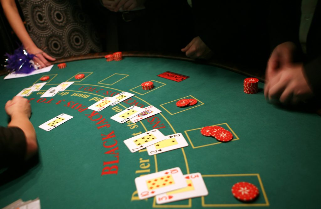 Online Casino en Blackjack actiefoto in het casino